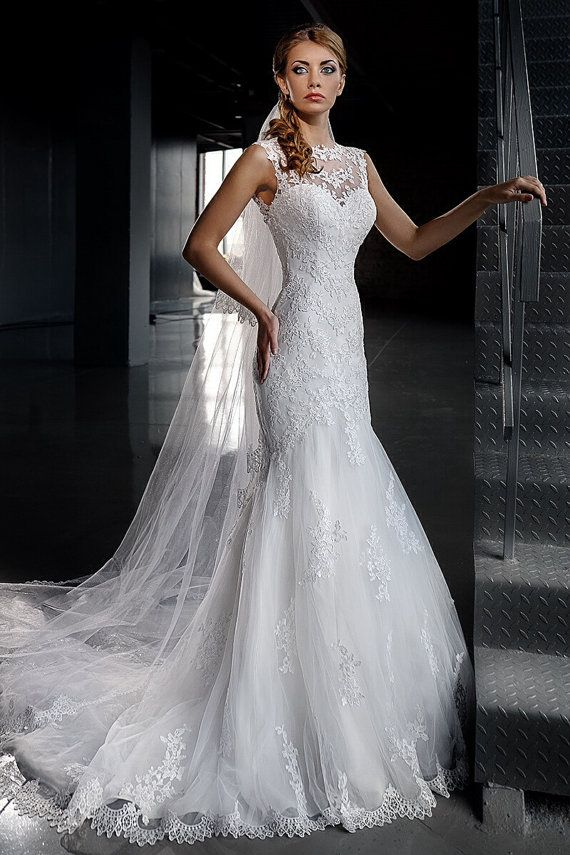 gorgeous sleeveless wedding dress lace wedding dress