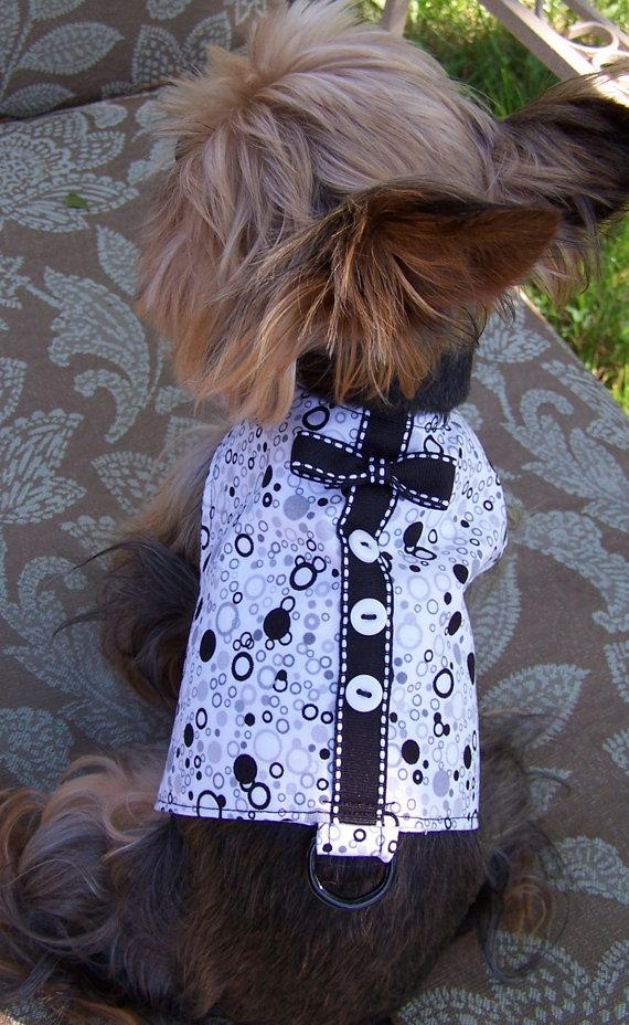 زفاف - Dog Harness Vest Bubbles in Black and white with bow tie Size X-Small for toy dogs