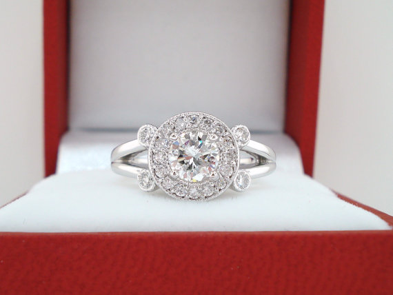 Mariage - Platinum Natural Diamond Engagement Ring 0.95 Carat  Halo Bridal Ring HandMade