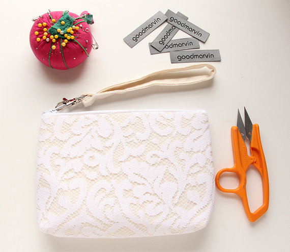 زفاف - Angela Wristlet - White Lace Clutch, Lace Wedding Clutch, Cream and Ivory Clutch, Cream Bridal Clutch, Bridesmaid Gift Idea