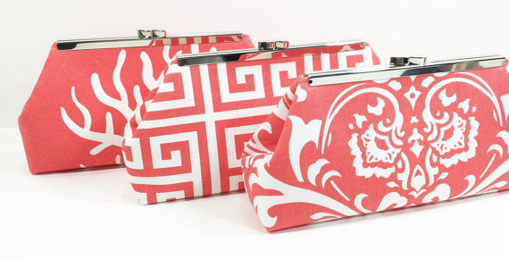 Свадьба - Bridesmaid Clutches Personalized Clutches Wedding Party Gifts Choose Your Fabric Coral Set of 7