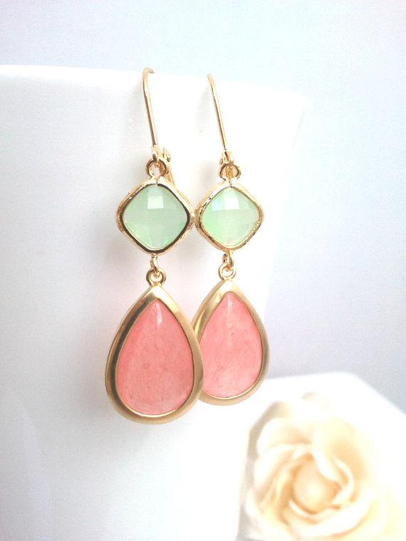 Свадьба - Coral Wedding earrings, Pink Earrings, Drop, Dangle earrings, bridesmaid gifts, Bridal Jewelry, Gemstone,Wedding jewelry,Chirstmas GIFT