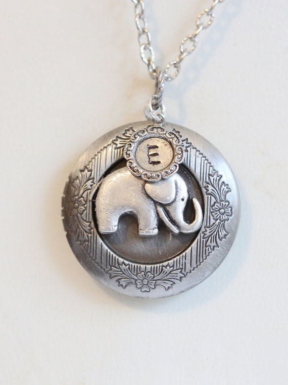 Mariage - Best of Friends,Jewelry Gift,  Baby Elephant Locket Necklace, Personalized locket,Monogram,Wedding, ,Wedding,Bridal Jewelry,Bridesmaids