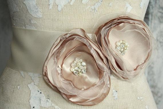 Mariage - Champagne sash, Champagne wedding dress sash, champagne fabric flower dress sash