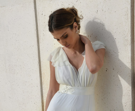 Wedding - Romantic wedding dress with embroidery and decorative belt