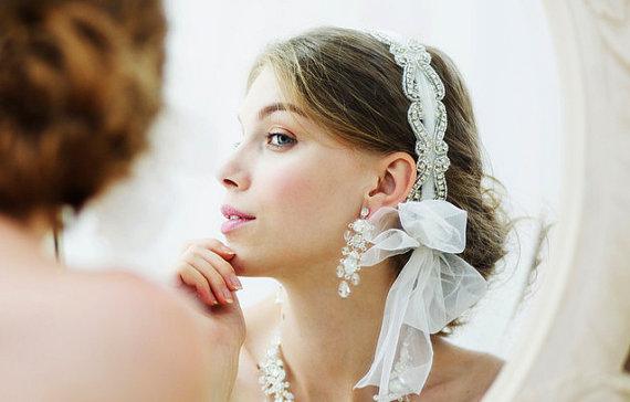 Свадьба - Romantic Bridal Crystal Rhinestone Tulle Headband -  Vintage Flapper Headband