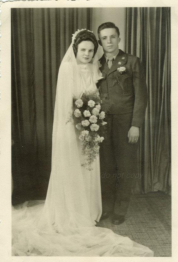 Mariage - WWII wedding  Vintage Photo