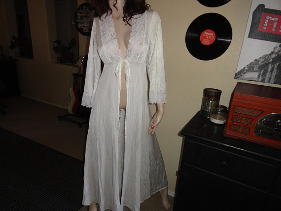 Size Medium lace Nightgown polyester nightgown 40 inch bust 57 inch length 35f3b70f8