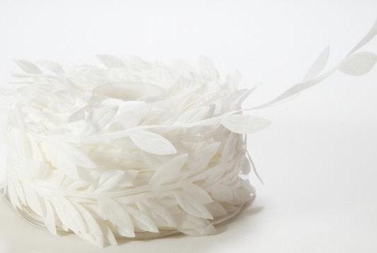Mariage - White Ribbon. Leaf Ribbon. Wedding Favors  Bow Supplies DIY Wedding Gift Wrap Favor Box Ribbon Craft Sewing DIY Wedding Bouquet