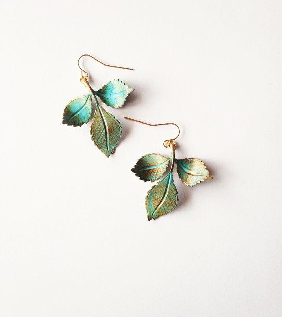 Свадьба - Green Leaf Earrings Verdigris Leaf Earrings Bridal Leaf Earrings Nature Earrings Woodland Earrings Forest Earrings Rustic Woodland Weddings