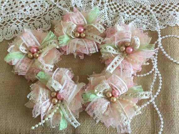 Hochzeit - 5 shabby chic lace pink, honey, ivory and light green color handmade flowers