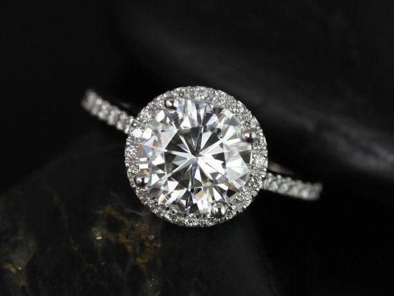 Mariage - Kubian 8mm14kt White Gold Round FB Moissanite and Diamonds Halo Engagement Ring (Other metals and stone options available)