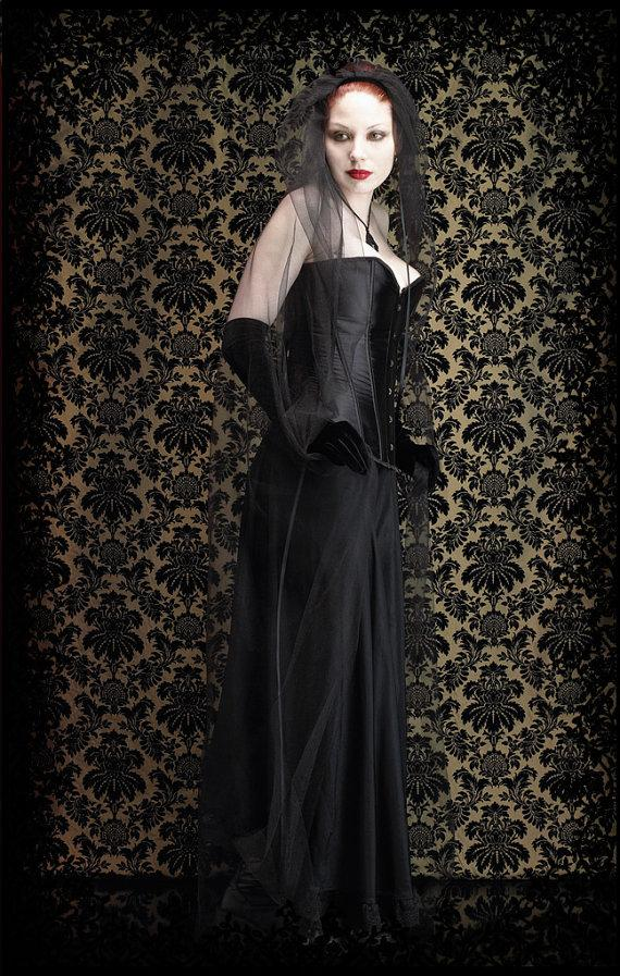 Mariage - Aurelia Long Black Veil - Gothic Wedding Veil - Custom Elegant Gothic Clothing and Dark Romantic Couture