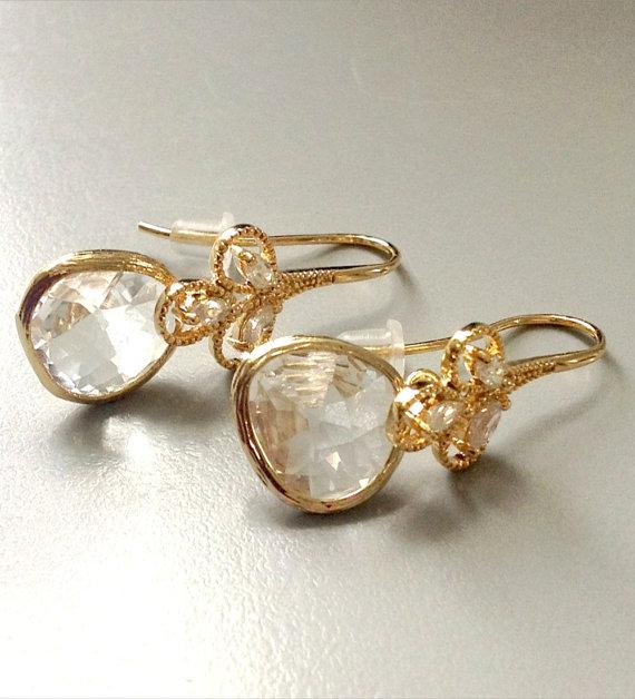 Свадьба - Drop earring / Gift / Dangle earring / Wedding Jewelry /Tear drop cubic zirconia / Valentines day gift / clear stone earring / Bridesmaids