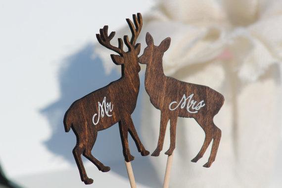 Hochzeit - Deer Wedding Cake Topper  Mr & Mrs -  Rustic Country Chic Wedding