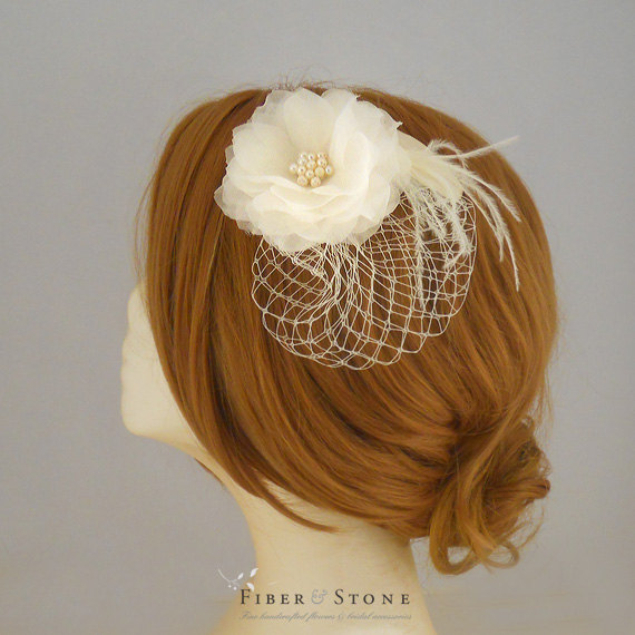 Свадьба - Bridal Fasinator, Wedding Fasinator, Wedding Headpiece with flower, Veil, Wedding Fascinator with Pure Silk, Netting and Freshwater Pearls