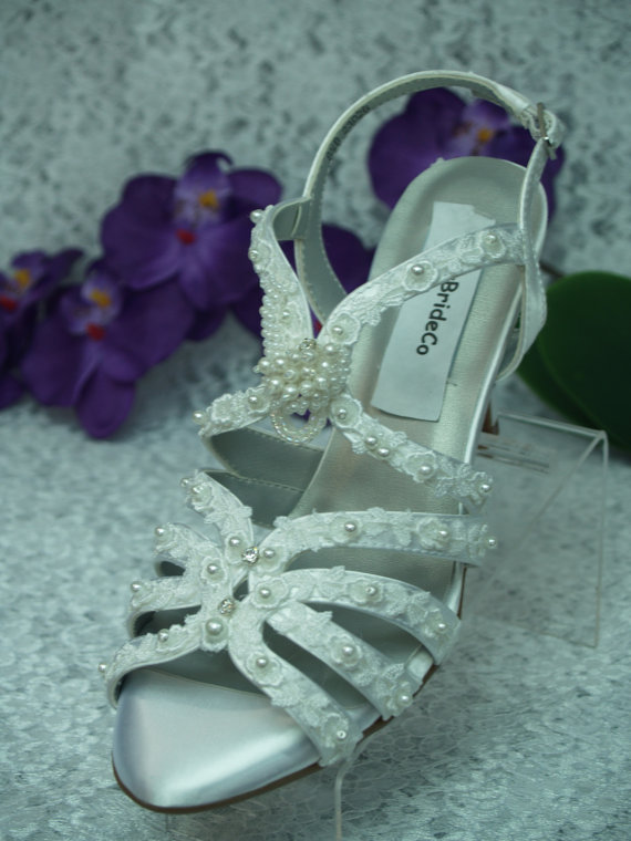 Mariage - Wedding Victorian Shoes Reg and wide width Vintage trim and pearls