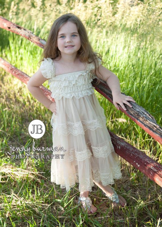 Mariage - Flower Girl Dress, Lace flower Girl Dress, Lace baby dress, flower girls dresses, Baptism dress, Rustic Flower Girl dress, Baby 1st birthday