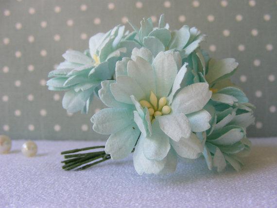 5 mint green paper flowers 4 cm