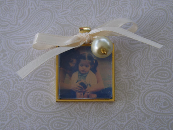 Свадьба - Wedding Bouquet Memorial Photo Charm, Gold Wedding Bouquet Charm- PICTURE PRINTING INCLUDED