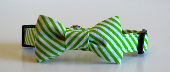 Mariage - Bow Tie Dog Collar Green and White Stripes Wedding Accessories Christmas Collar Made to Order