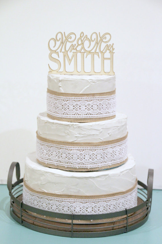 Свадьба - Rustic Wedding Cake Topper or Sign Mr and Mrs Topper Custom Personalized with YOUR Last Name Paintable Stainable Wood