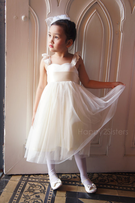 Свадьба - Ivory Flower Girls dress, Toddler girl dress, Baby girl dress, Bridesmaid dress, Girl wedding dress, birthday party dress, Girl photo prop