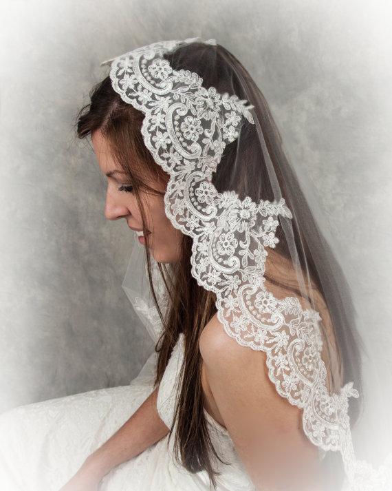 Mariage - Beautiful Mantilla Veil