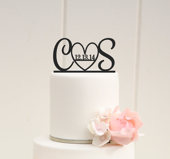 Свадьба - Initials and Heart Wedding Cake Topper with Wedding Date