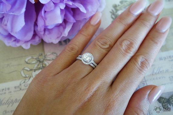 زفاف - 1.25 Carat Halo Wedding Set, 6mm Center Stone, Bridal Rings, D Color Flawless, Man Made Diamonds, Engagement Rings, Wedding, Sterling Silver