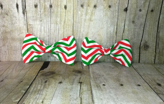 Свадьба - Festive Red and Green Chevron Bow Tie, Clip, Headband or Pet MaineTeam