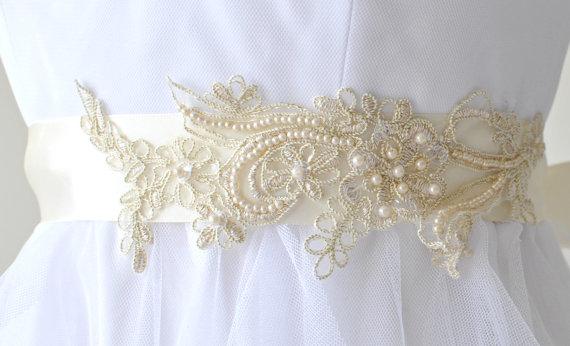 Свадьба - Ready to ship - Wedding Sash/Belt,Bridal Sash,lace Sash,Beaded Sash, Satin Wedding Sash R