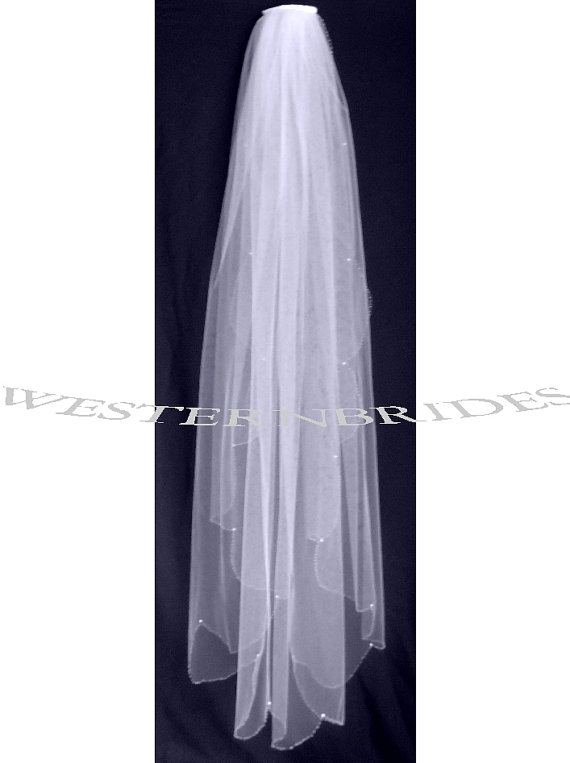 Свадьба - Beaded scalloped edge Bridal Wedding  veil Ivory  or white or off white Fingertip length with comb