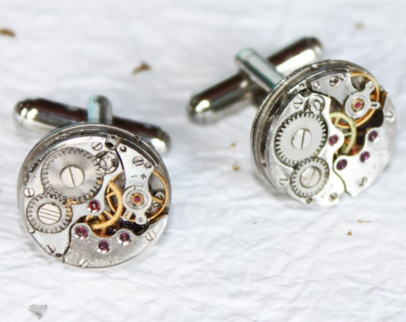 Свадьба - Men Steampunk Cufflinks: Rare Silver Watch Movement Men Steampunk Watch Cufflinks - Wedding Groomsmen Valentines Day Gift for Him