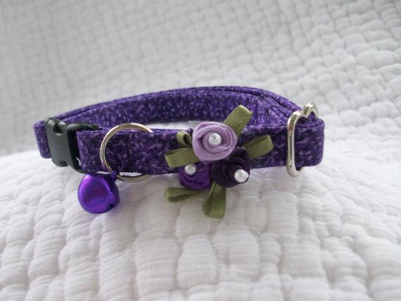 Свадьба - Purple Cat Collar with bell   Wedding Cat  Breakaway Collar Custom Made