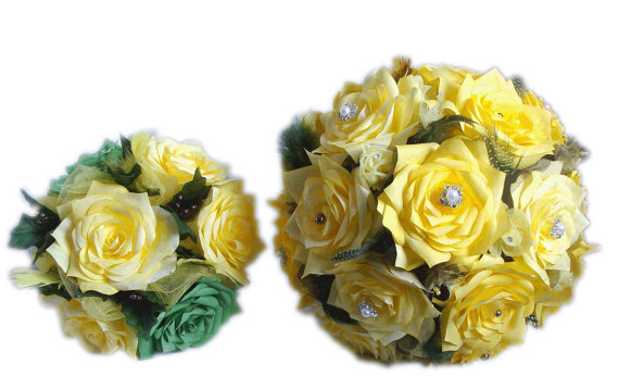 Mariage - Yellow and green Bridal bouquet package, Wedding bouquets, Paper Bouquet, Wedding party bouquets, Fake bouquet, silk bouquets, Faux Bouquets