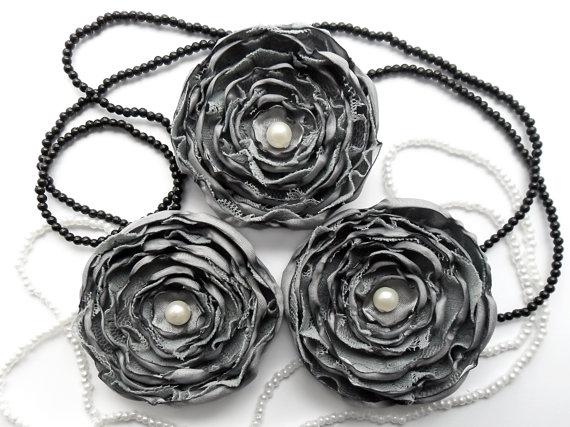 Свадьба - Fabric flowers - DIY wedding flower decor, bouquet flowers, wedding flowers, bridal, flower appliques, flower accessories, silver gray