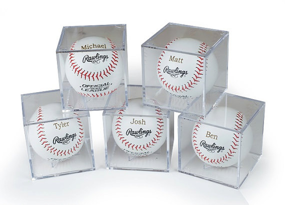 Mariage - Groomsmen Gift - Set of 5 Rawlings Baseballs With Acrylic Cases - Laser Engraved - Jr. Groomsmen Gift - Ring Bearer Gift - FREE ENGRAVING