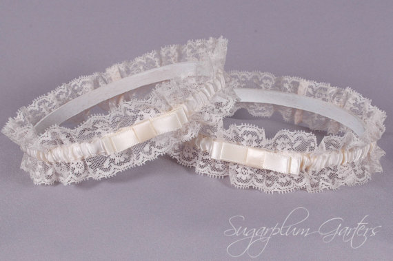 Mariage - Wedding Garter Set in Ivory Satin and Lace with Tailored Bows