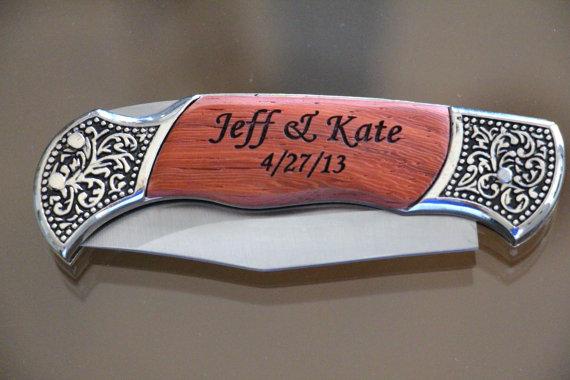 Свадьба - Engraved Knife, Personalized Engraved Knife, Groomsmen Gifts, Wedding Favor,Folding Pocket Knife, Anniversary Gift, Birthday Gift, Custom