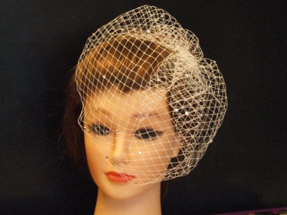 Hochzeit - Bridal veil.Birdcage veil,top comb.Blusher veil,9 inch French/Russian Net Veil. Bridal birdcage veil,Top comb birdcage Veil,Hair accessory,