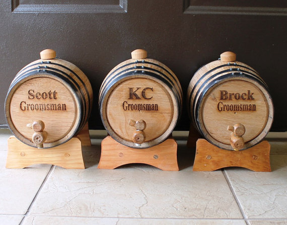 Свадьба - Personalized Mini-Oak Whiskey Barrel - Groomsmen Gift - Father's Day Gift - Engraved, Customized, Monogrammed for Free