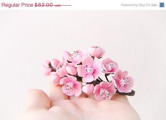 Свадьба - On SALE 35 % Pink Flower Cherry Sakura blossom Fascinator - Wedding Clay flowers -Floral hair accessories -Wedding cherry blossoms