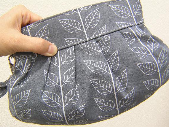 زفاف - bridesmaids CLUTCH, Janbag Wristlet, wedding, handmade, gift, cosmetic - Leaf stripe graphite grey