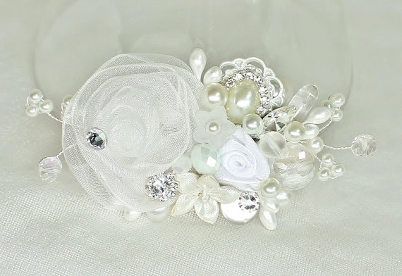 Wedding - White Bridal Hair Comb- Bridal Hair Accessories- White Wedding Hair Piece-Vintage Inspired -White bridal hairpiece- White Floral Haircomb