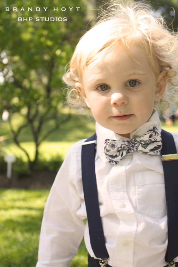 Baby Boys Toddler Pre-tied Bow Tie With Adjustable Neck Strap Kids Bowtie Set of 6. by JIMUKEE. $ $ 10 99 Prime. FREE Shipping on eligible orders. out of 5 stars RuggedButts Little Boys Pre-tied Necktie/Tie. by RuggedButts. $ - $ $ .