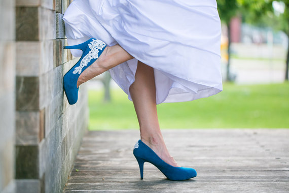 Mariage - BLOWOUT SALE. Wedding Shoes - Teal Blue Bridal Shoes/Wedding Heels with Ivory Lace. US Size 6.5