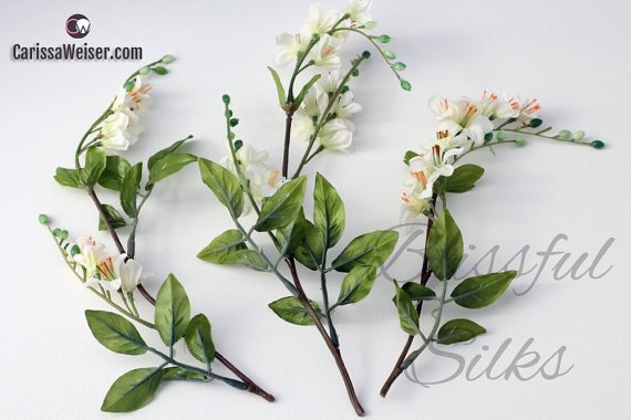 Boda - Artificial Flowers - One LOT CREAM WHITE Vinca Clusters - Flower Crowns, Halos, Wedding Crown, Hair Accessories