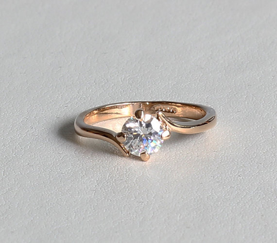 Mariage - ON SALE! 18ct Rose gold Solitaire ring with 0.85ct white simulated diamond - engagement ring