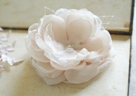 Wedding - Champagne Hair Flower Bridal Champagne Flower Clip Wedding Hairpiece Bridesmaids Hair Flower Chiffon Peony Nude Cream Veil Chiffon